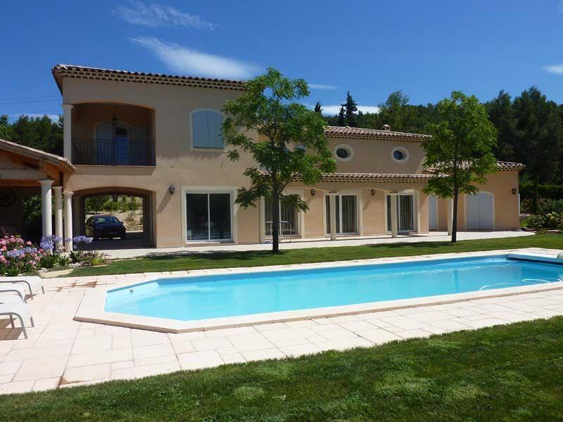 Image Grande maison avec piscine bleu Cabinet darchitectes dHélion
