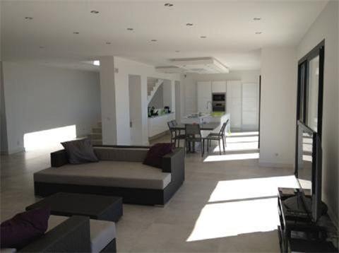 rayol canadel sur mer. Black Bedroom Furniture Sets. Home Design Ideas