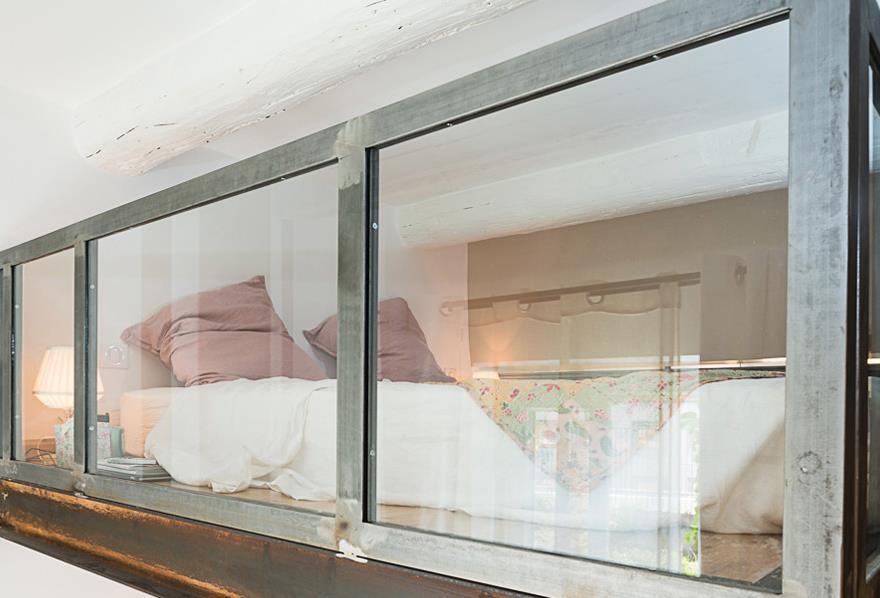 Chambre avec mezzanine mezzanine mobile avec plateau marie claire maison mezzanines autres for Amenagement chambre mezzanine