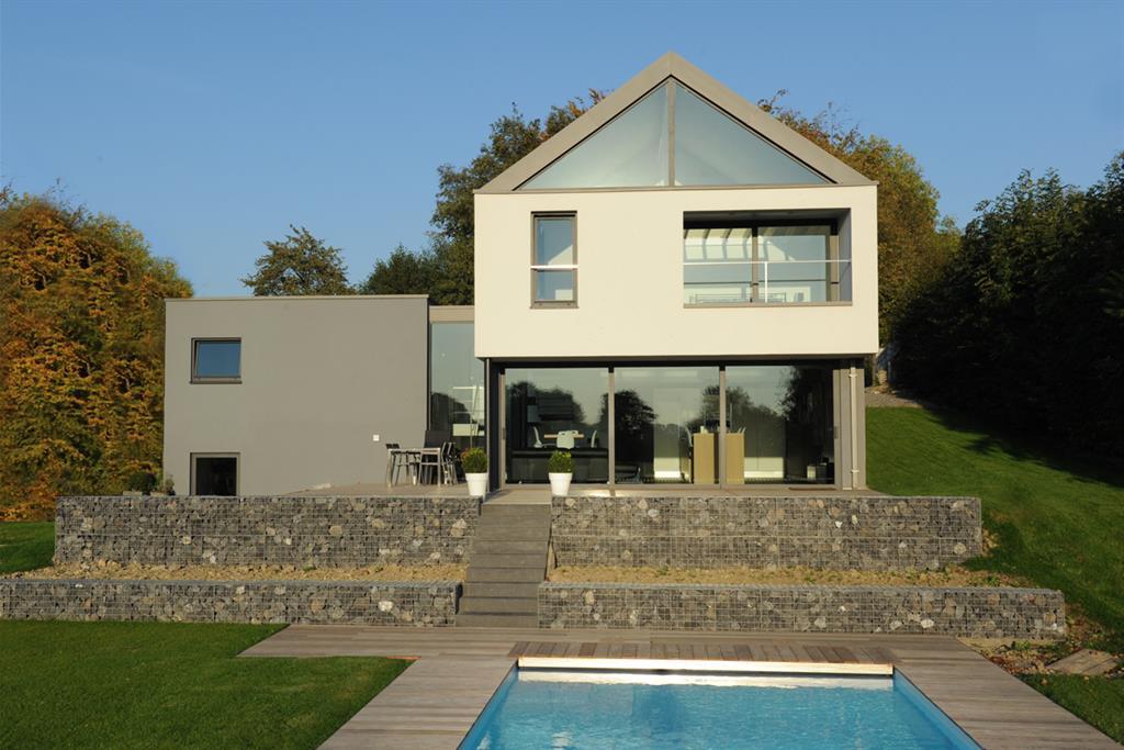 Maison moderne avec toit - Mc immo