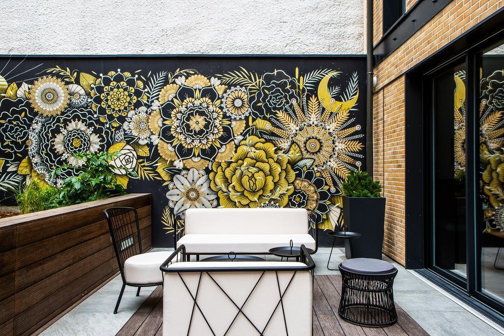 Image Jardinière Image'In pour décoration design d'une terrasse d'hôtel en patio