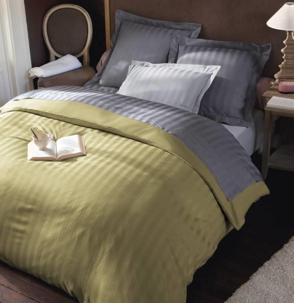 drap housse brillance 2 personnes gd mod le 160cm x 200cm tilleul. Black Bedroom Furniture Sets. Home Design Ideas