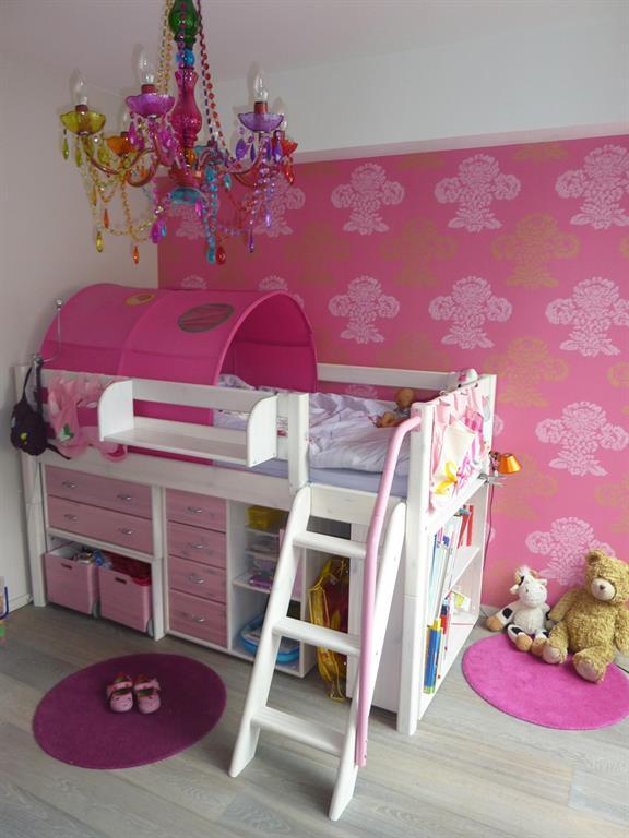 Chambre D 39 Enfant Avec Lit Mezzanine Et Rangement En Dessous