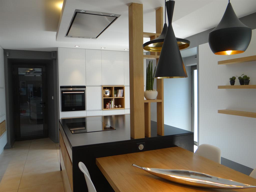 Hotte Ilot Central Evacuation Exterieure ~ Cuisine Contemporaine Am Nagement Et Photos De Cuisines Design Et