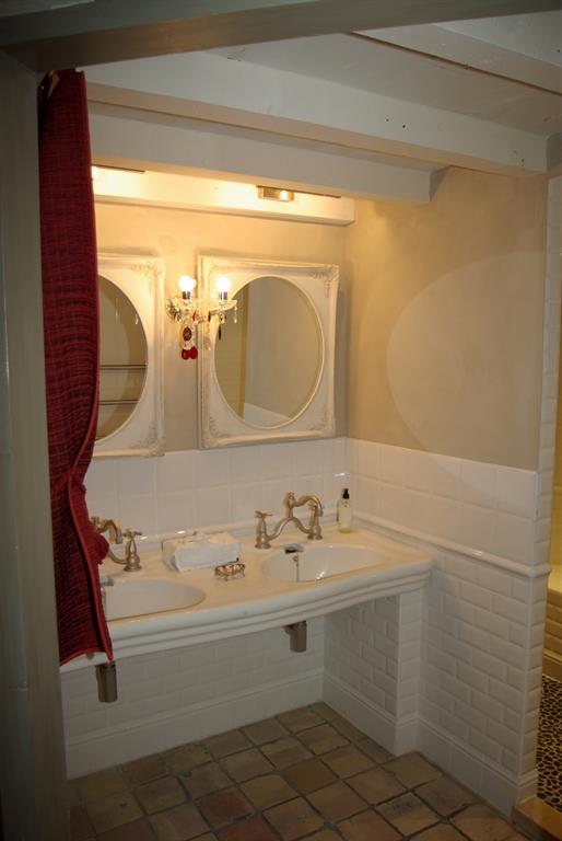salle de bains imagine photo n 49 domozoom. Black Bedroom Furniture Sets. Home Design Ideas