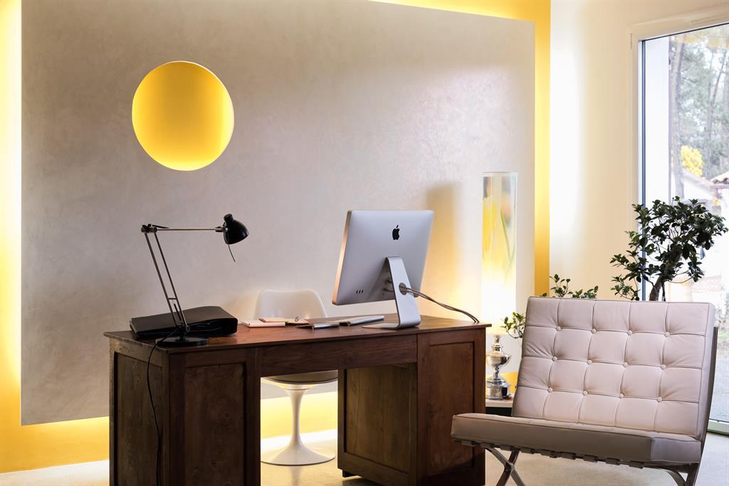 Image Un bureau calme et lumineux afin de recevoir mes clients en toute quiétude Frédérique Bargeas