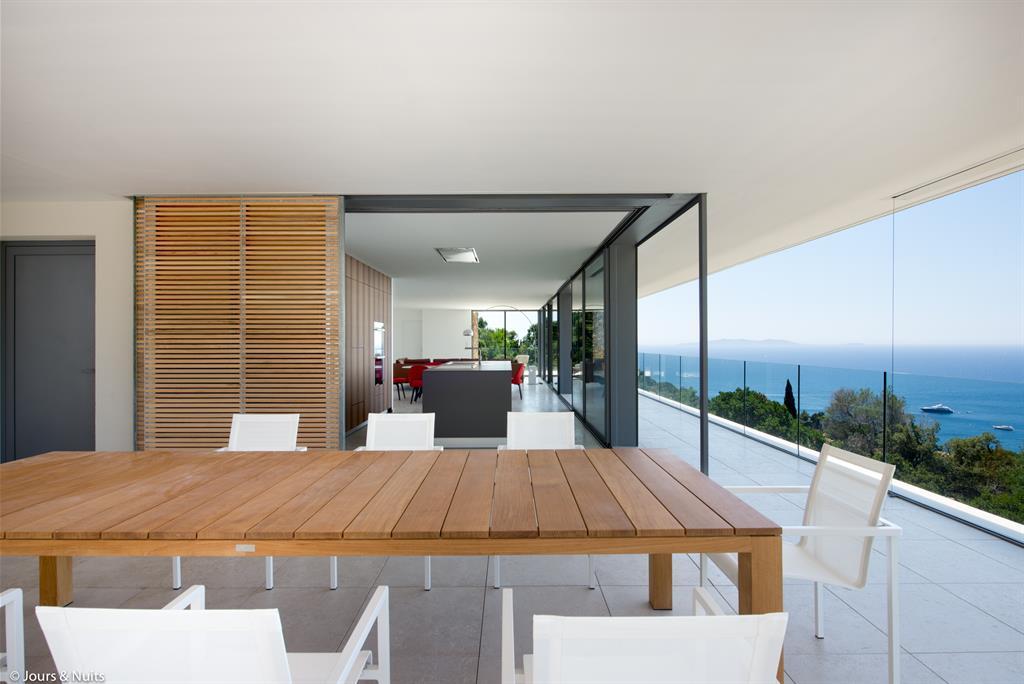 Terrasse extérieure à l'étage
