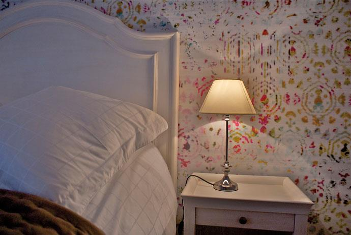 Une chambre douillette for Papier peint chambre moderne