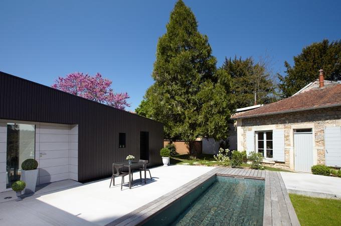 Image Vue extérieure et piscine Caroline Wach Architecture