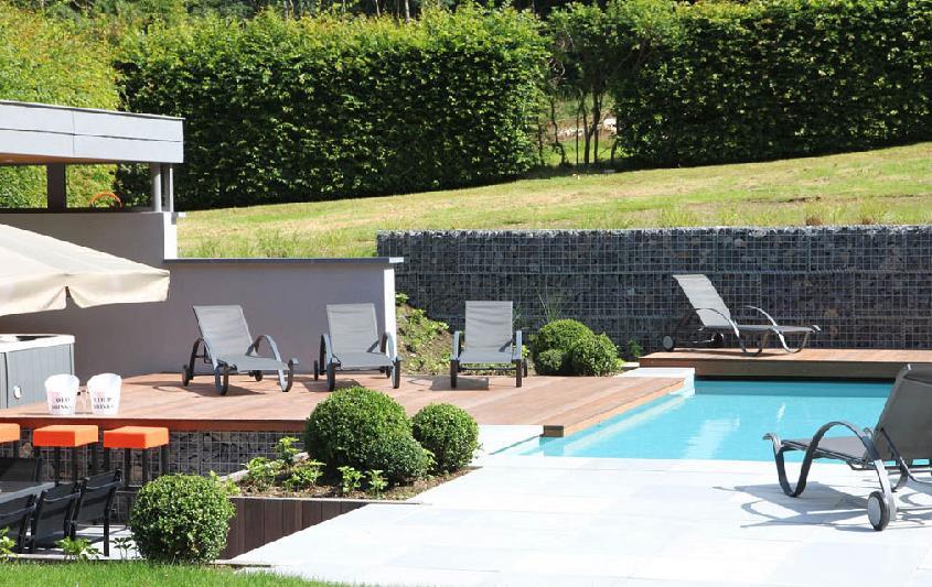 terrasse sur plusieurs niveaux selon les fonctions. Black Bedroom Furniture Sets. Home Design Ideas