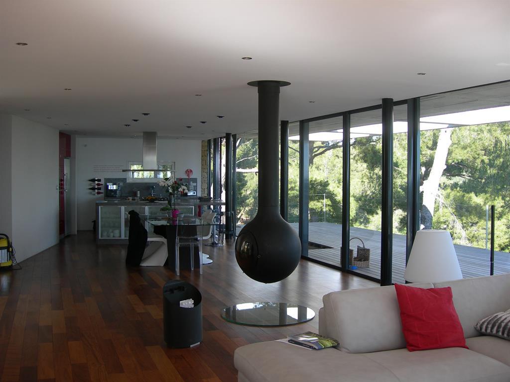 Salon et cuisine donnant sur la grande terrasse fr d rique for Salon ouvert sur terrasse