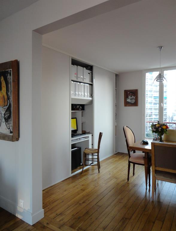 Image Bureau aménagé dans une niche du salon Les Murs ont des Oreilles