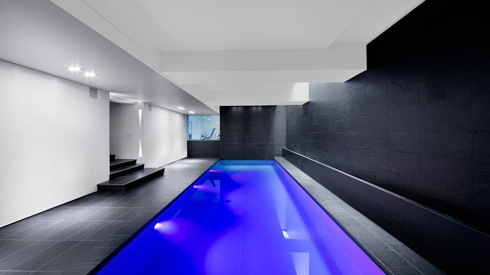 piscine au sous sol dwek architecture and partners. Black Bedroom Furniture Sets. Home Design Ideas
