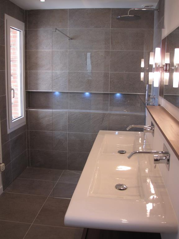 Douche italienne double vasques suspendue