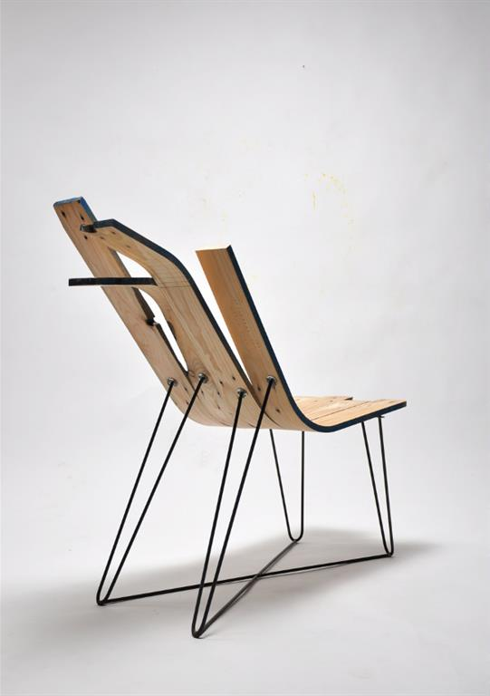 Chaise en bois de palette cintré
