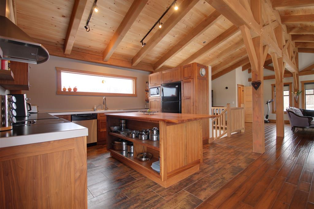 Cuisine de chalet de montagne habitation kyo photo n 33 for Amenagement interieur chalet