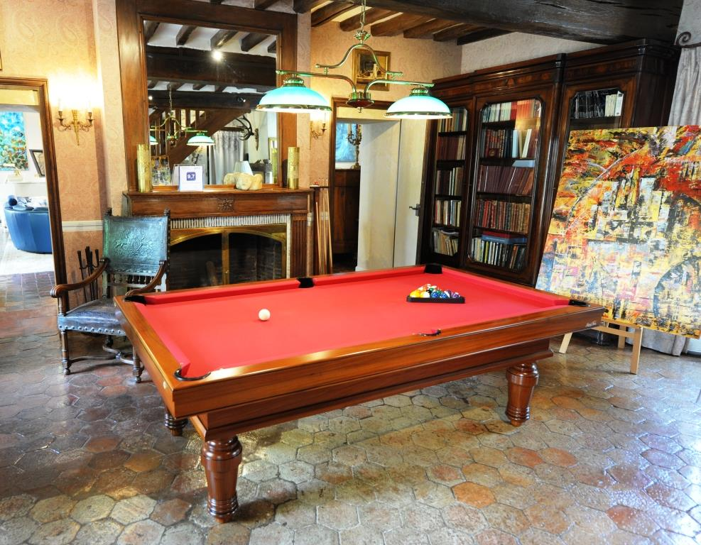 billard breton prix table pool tables montreal movers. Black Bedroom Furniture Sets. Home Design Ideas