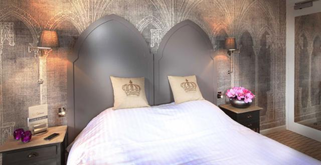 Chambres rappelant l'imaginaire des châteaux