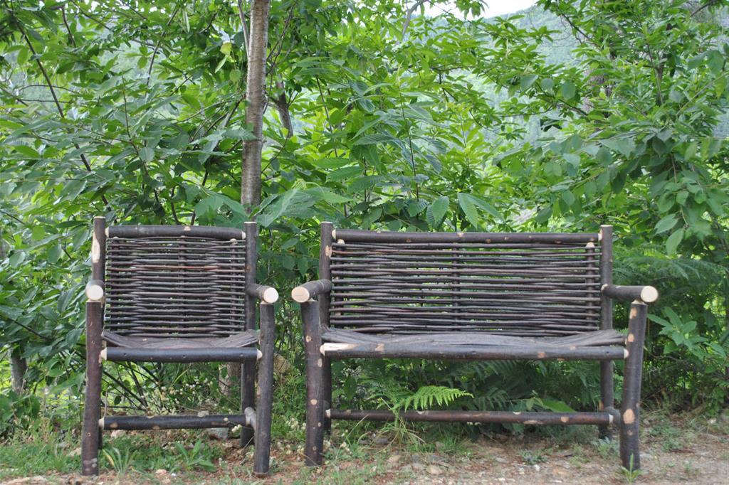fauteuil et banc tress s atelier chaters n photo n 69. Black Bedroom Furniture Sets. Home Design Ideas