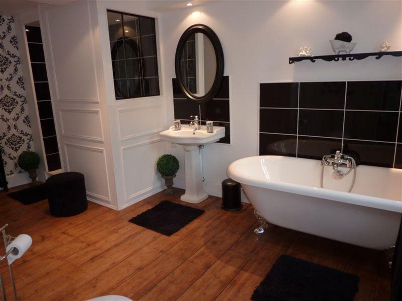 Salle de bain baroque contemporain d co d 39 hier et d 39 aujourdhui for Salle de bain idee amenagement
