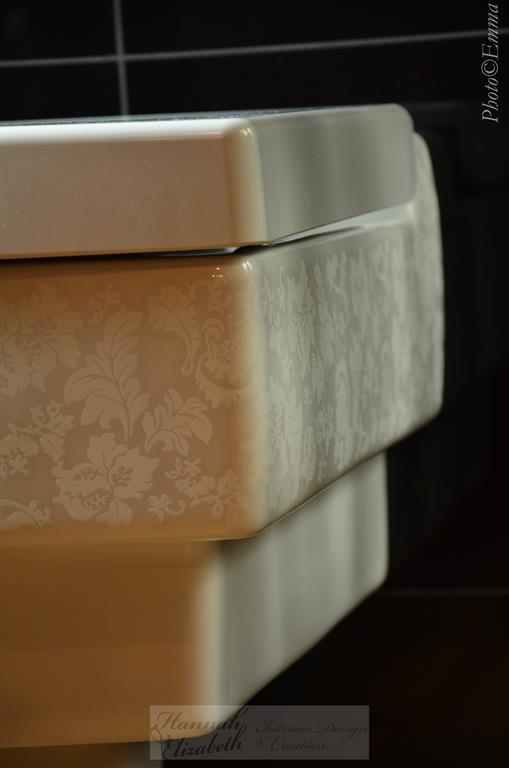 Image WC contemporain avec motifs classiques Hannah Elizabeth Interior Design