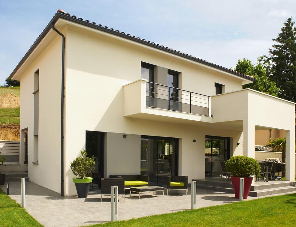 maison traditionnelle avec terrasse et balcon mca le cercle artisanal. Black Bedroom Furniture Sets. Home Design Ideas