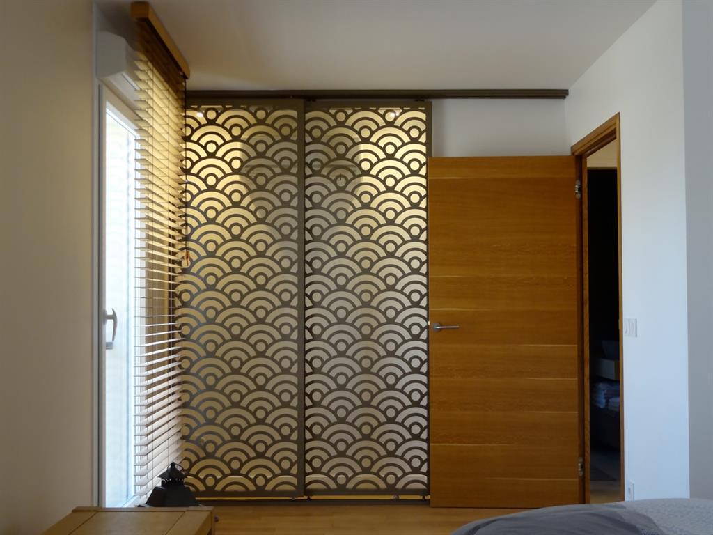 moucharabieh porte coulissante un regard pour vos nuances. Black Bedroom Furniture Sets. Home Design Ideas
