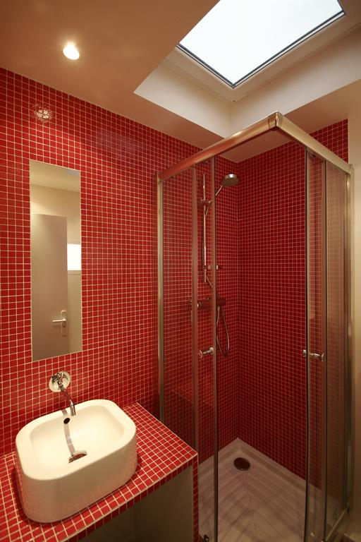 best salle de bain mosaique rouge ideas. Black Bedroom Furniture Sets. Home Design Ideas