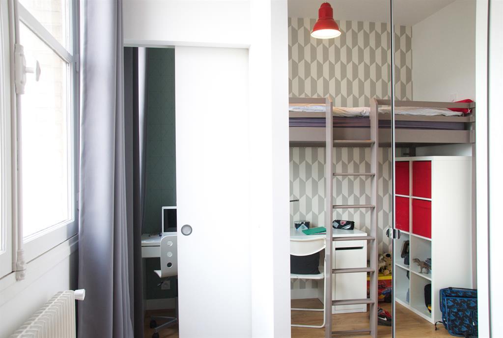 Chambre d 39 enfant avec lit mezzanine et bureau en dessous - Chambre enfant avec bureau ...