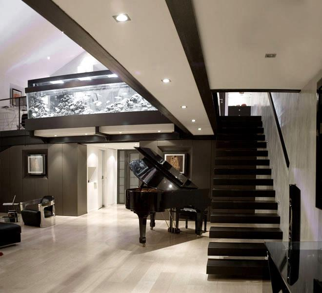 salon double hauteur loft avec escalier suspendue dauphins. Black Bedroom Furniture Sets. Home Design Ideas