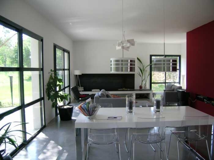 Salle manger ouverte sur le salon et le jardin fouquet huguet - Salle a manger design but ...