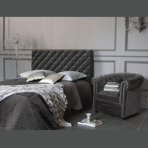 t te de lit capitonn e vintage en velours grise l 160 cm chesterfield. Black Bedroom Furniture Sets. Home Design Ideas