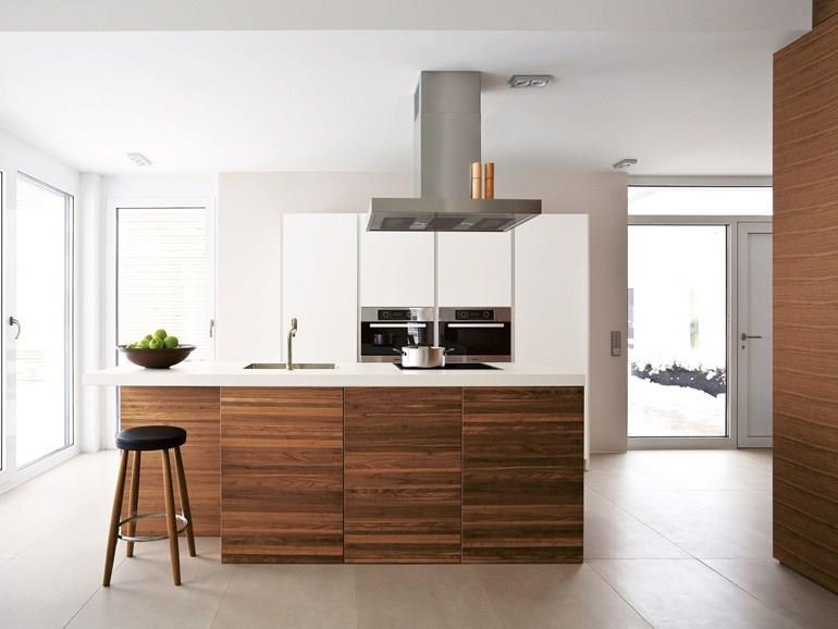 Cuisine caissons bois et plan de travail blanc bulthaup - Caisson cuisine bois ...