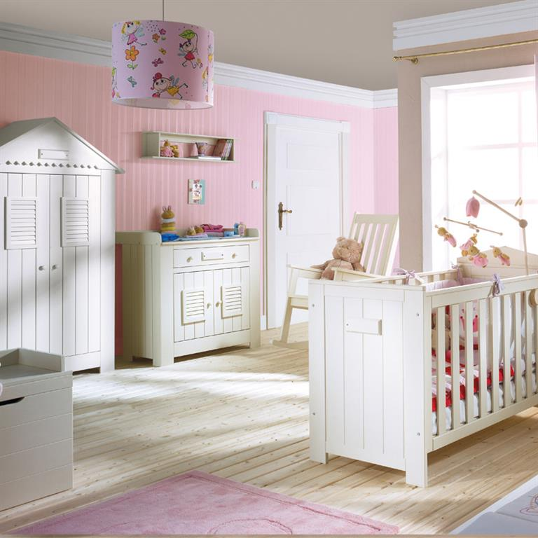 Beautiful chambre enfant rose photos for Deco chambre fille rose et noir