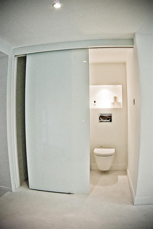 toilettes hygi niste avec porte coulissante pm lyon agencement