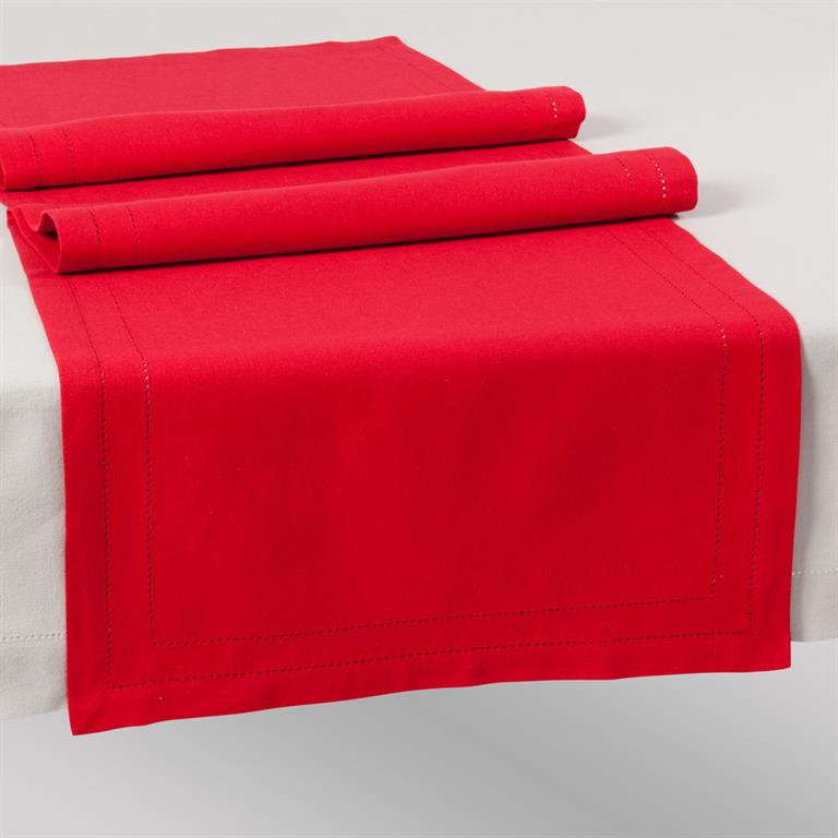 chemin de table uni en coton rouge l 150 cm maisons du monde. Black Bedroom Furniture Sets. Home Design Ideas