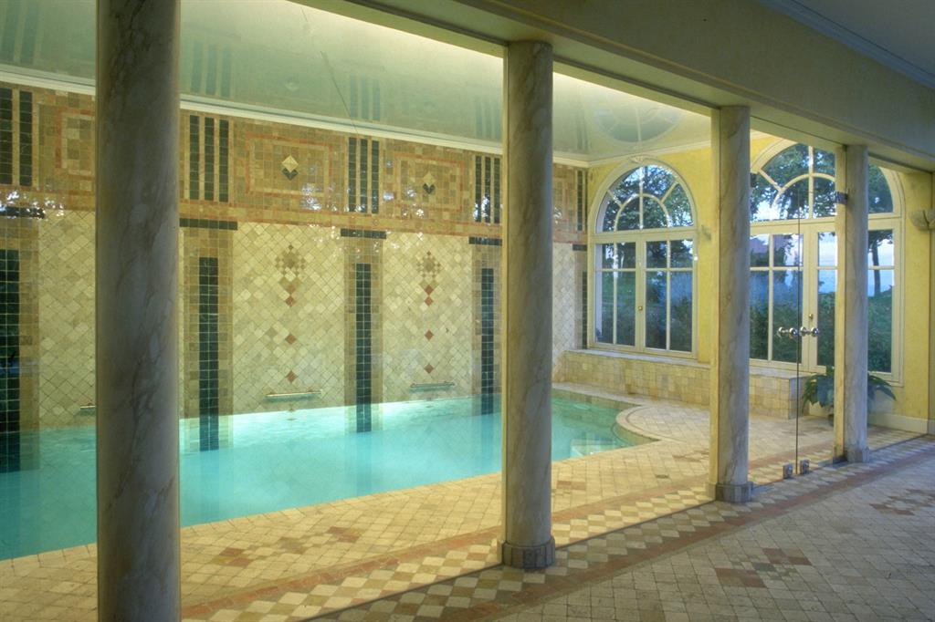 Image Vue de la piscine depuis le séjour Vincent GUILLO   architecte d'intérieur