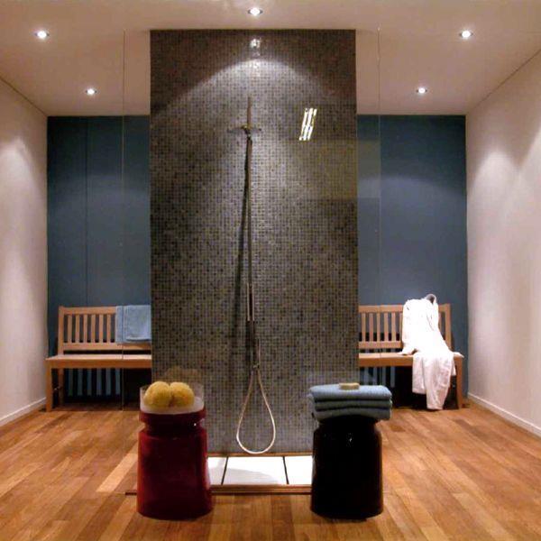 Douche l 39 italienne la douche tendance des salles de for Grande douche a l italienne
