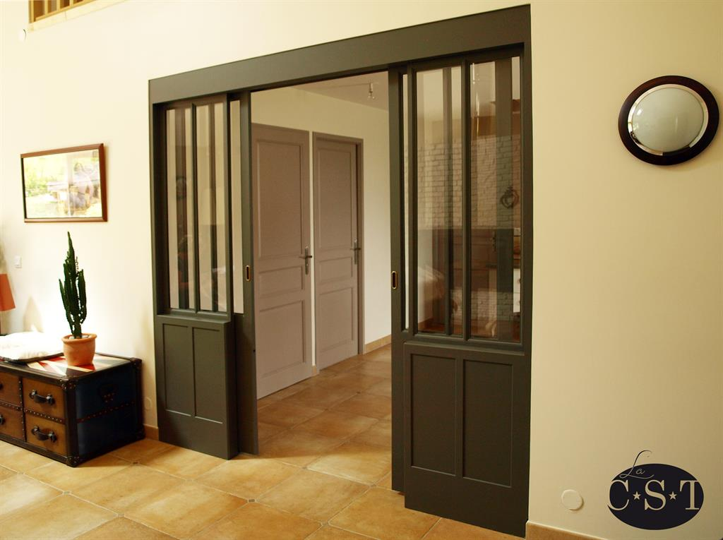 baie vitr e int rieure en bois. Black Bedroom Furniture Sets. Home Design Ideas