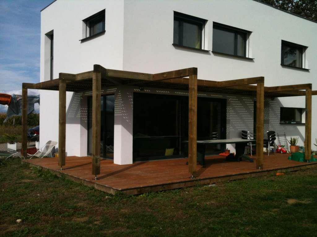 Terrasse d 39 angle avec pergola en bois bois oncept photo n 78 - Pergola contemporaine bois ...