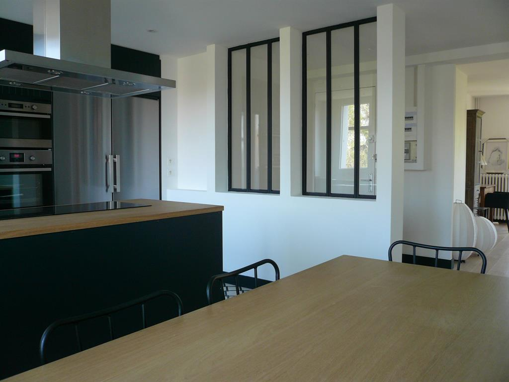 R novation d 39 un appartement de 90m entre douceur et for Decoration fenetre salle a manger