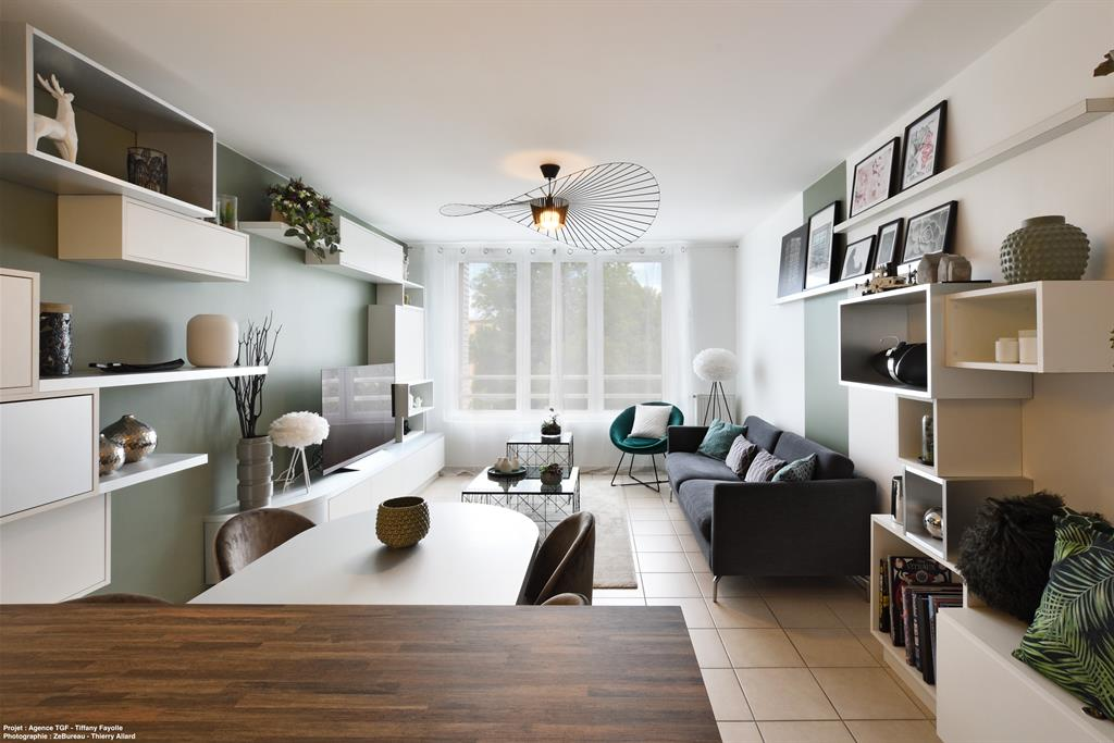 Rénovation d'appartement à Lyon avec création de mobilier et rangements sur mesure