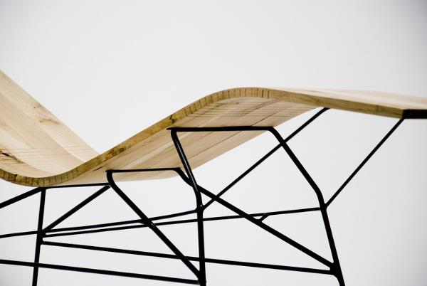 Chaise longue en bois cintré