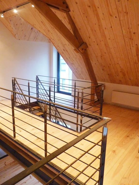Sous pente avec mezzanine trans arch photo n 21 domozoom for Mezzanine chambre sous pente