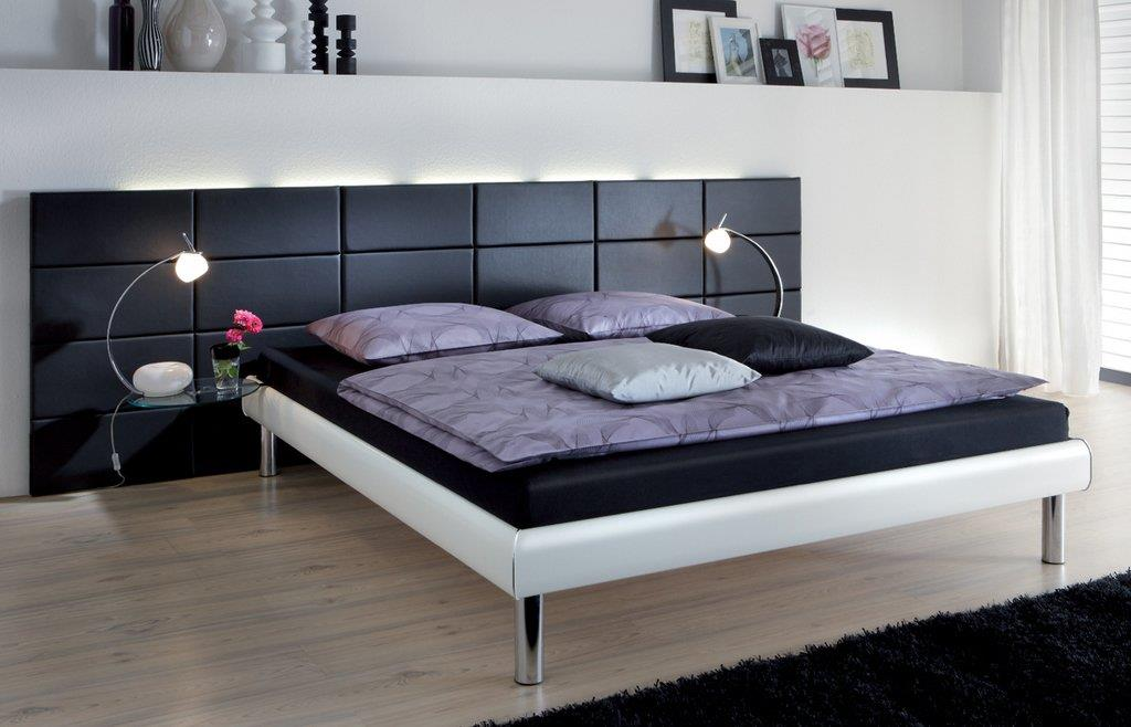 chambre avec une t te de lit en cuir noir mendi cuir. Black Bedroom Furniture Sets. Home Design Ideas