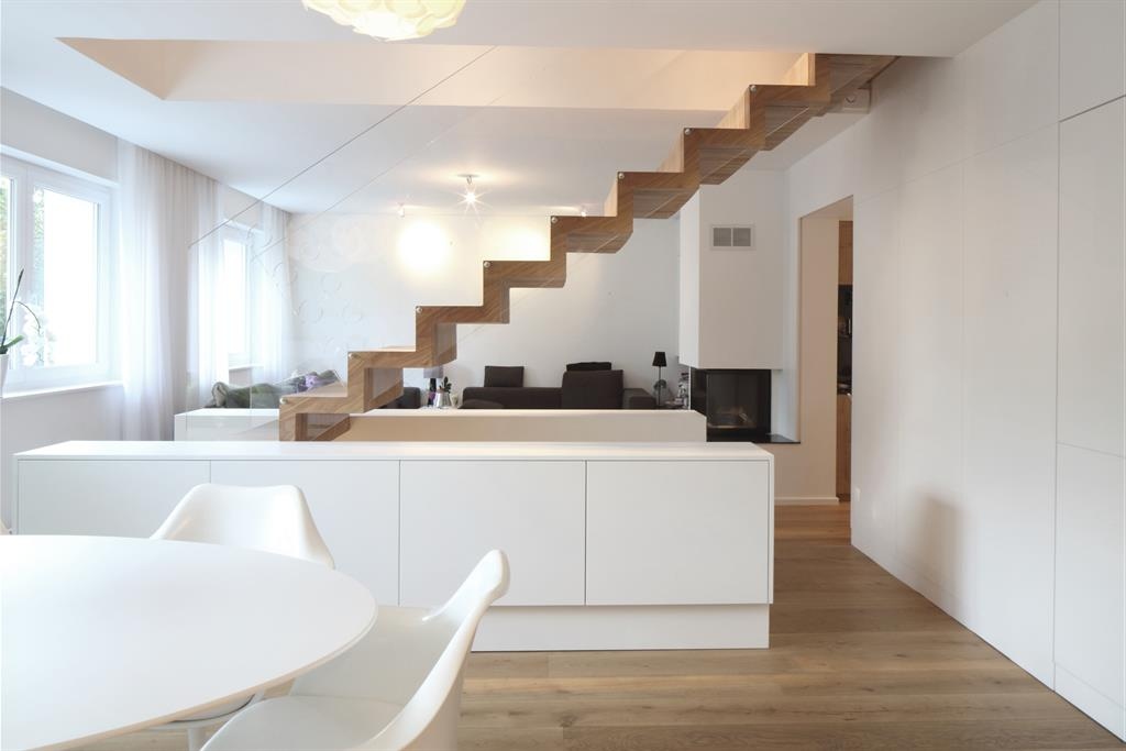 Escalier sur mesure agencement d 39 int rieur porte d rob e for Interieur maison design contemporain