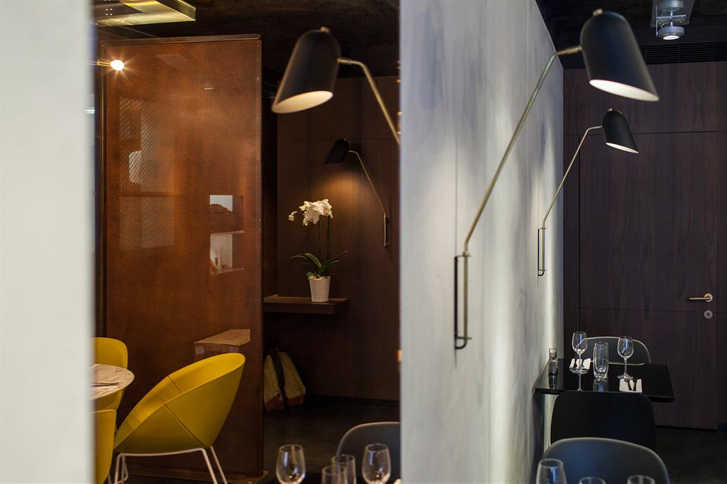 habillage des murs du restaurant little apple concrete lcda. Black Bedroom Furniture Sets. Home Design Ideas