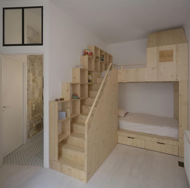 Lit avec mezzanine en bois sur mesure maxime jansens architecte - Bed kind met mezzanine kantoor ...