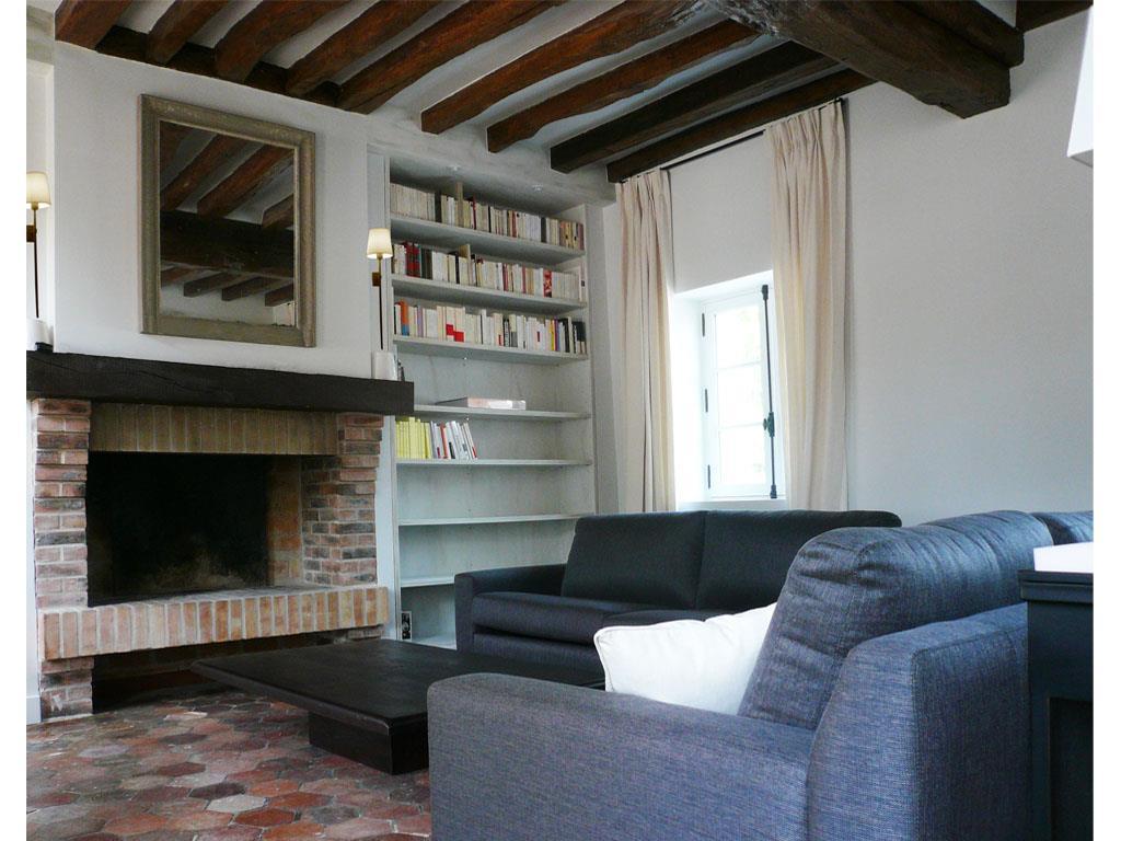 chemine insert double face 50 ides de dco d39intrieur salons. Black Bedroom Furniture Sets. Home Design Ideas