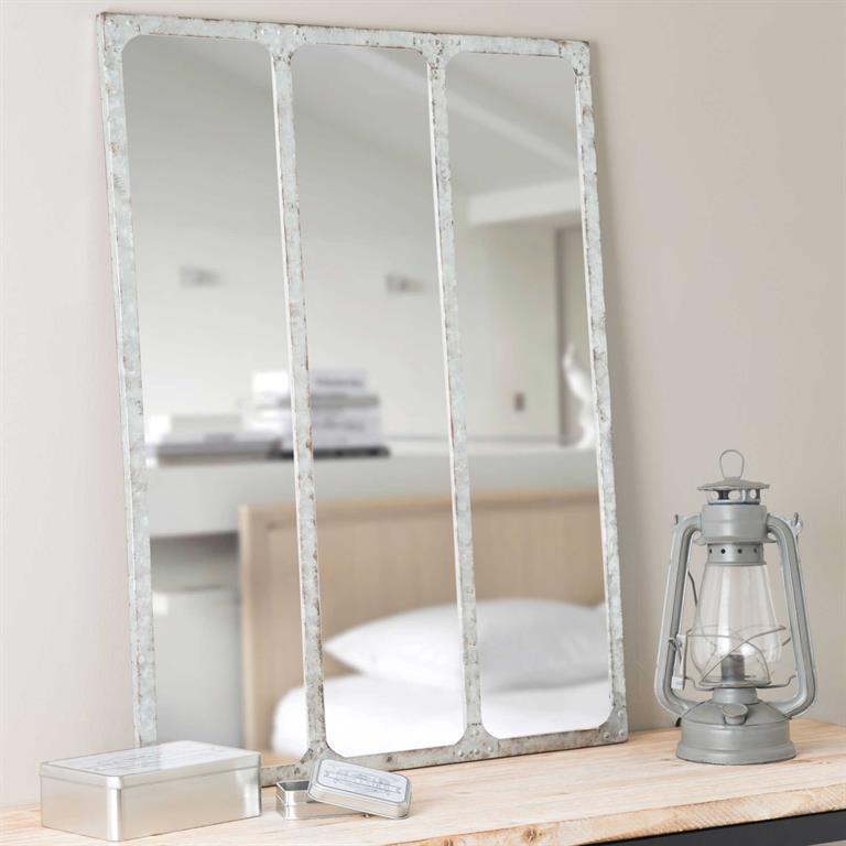 Maison du monde miroir cheap miroir mon beau miroir putit for Miroir maison du monde